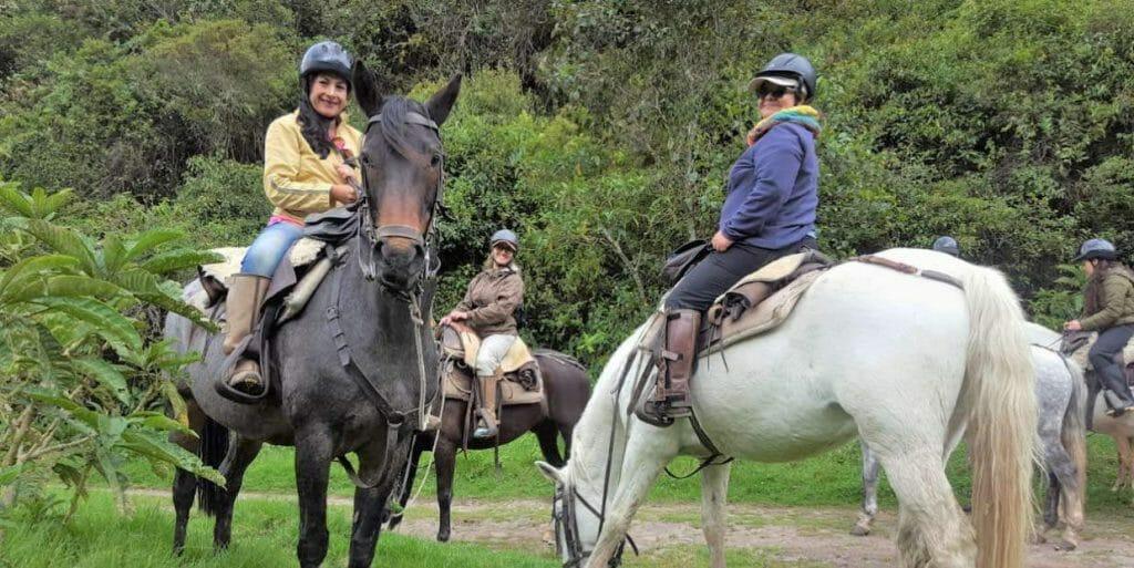 imbabura-hacienda-zuleta-horseback-riding
