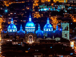 cuenca ecuador cathedral illuminated at night