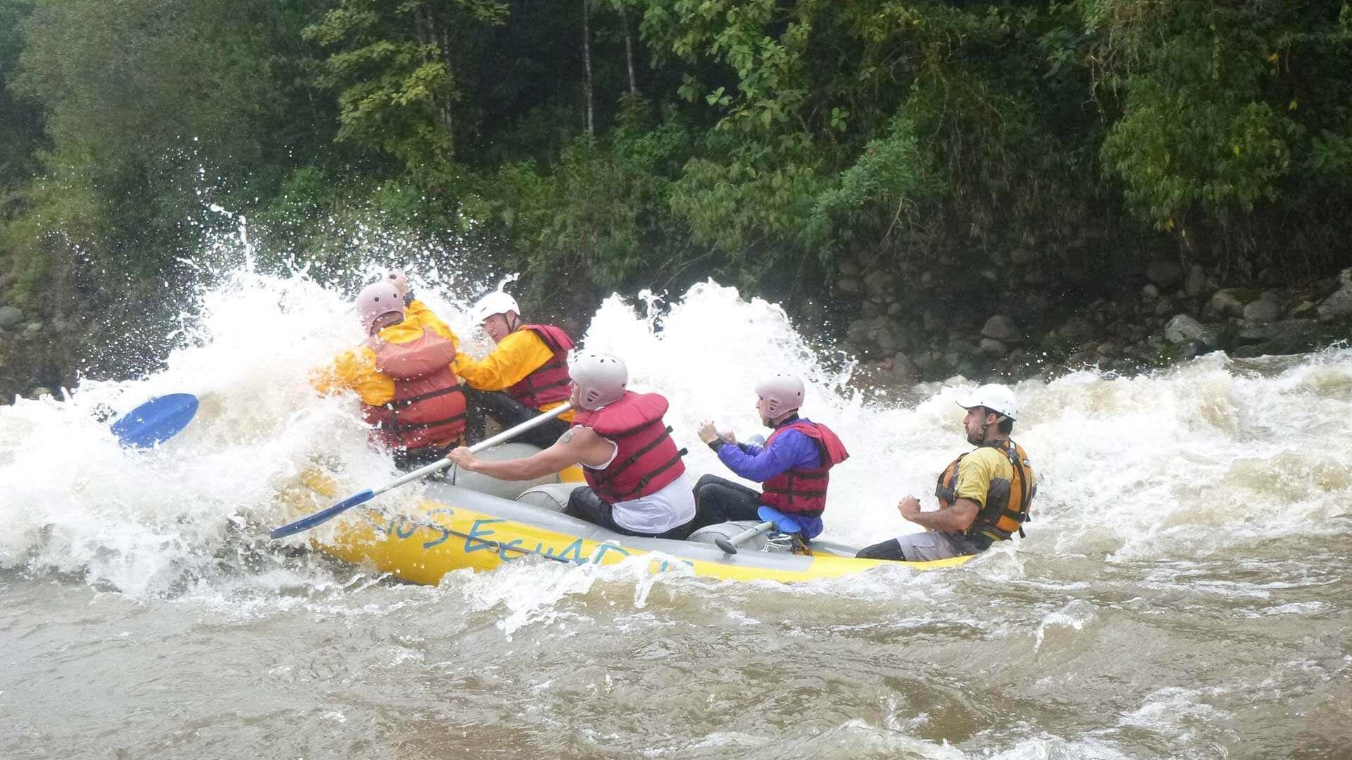 ecuador rafting tour in jungle rapids