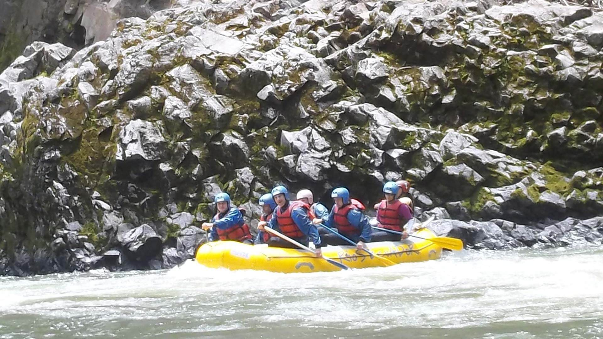 ecuador rafting tour on the quijos river