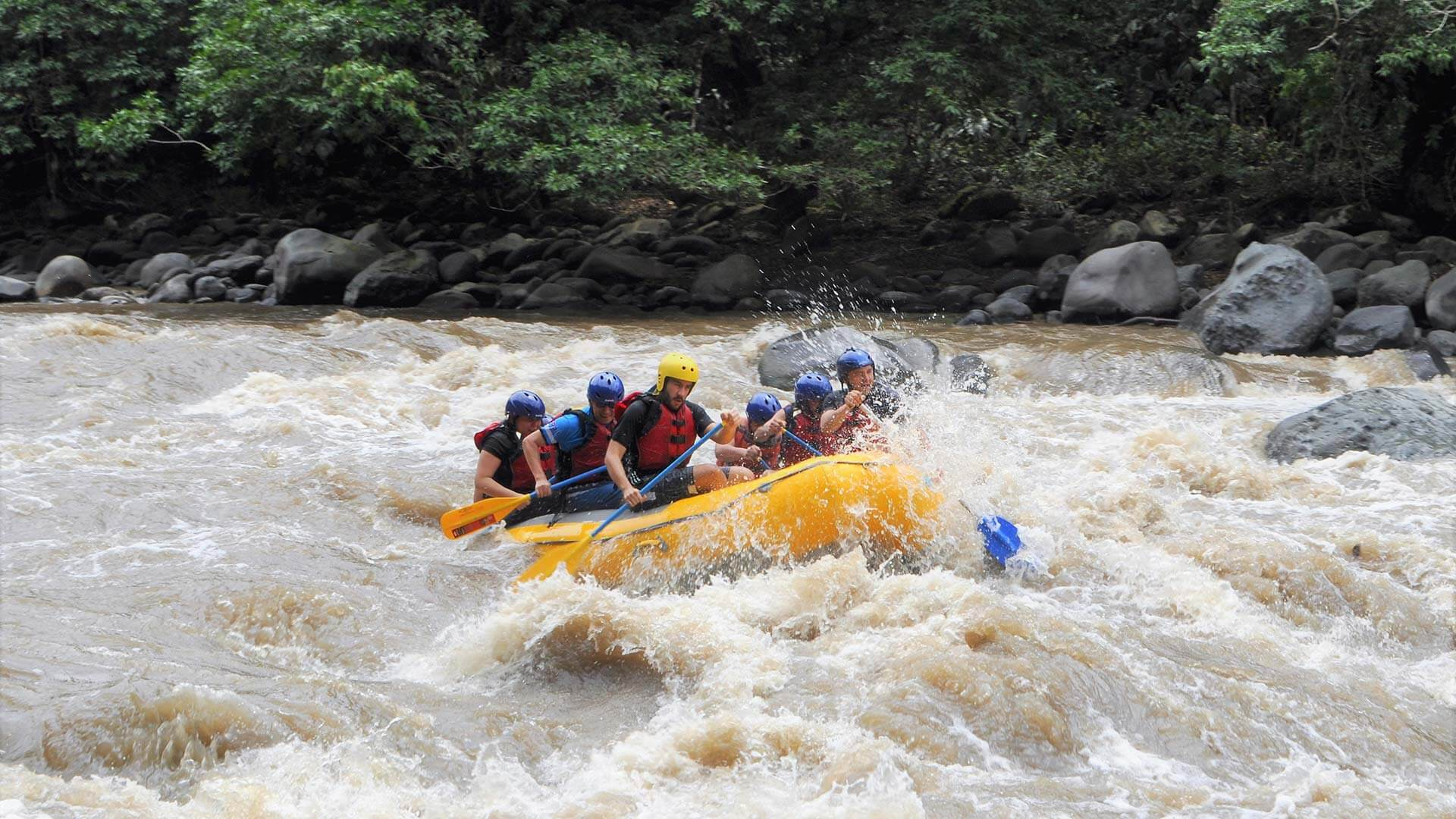 ecuador raftinf tour the long run on river blanco
