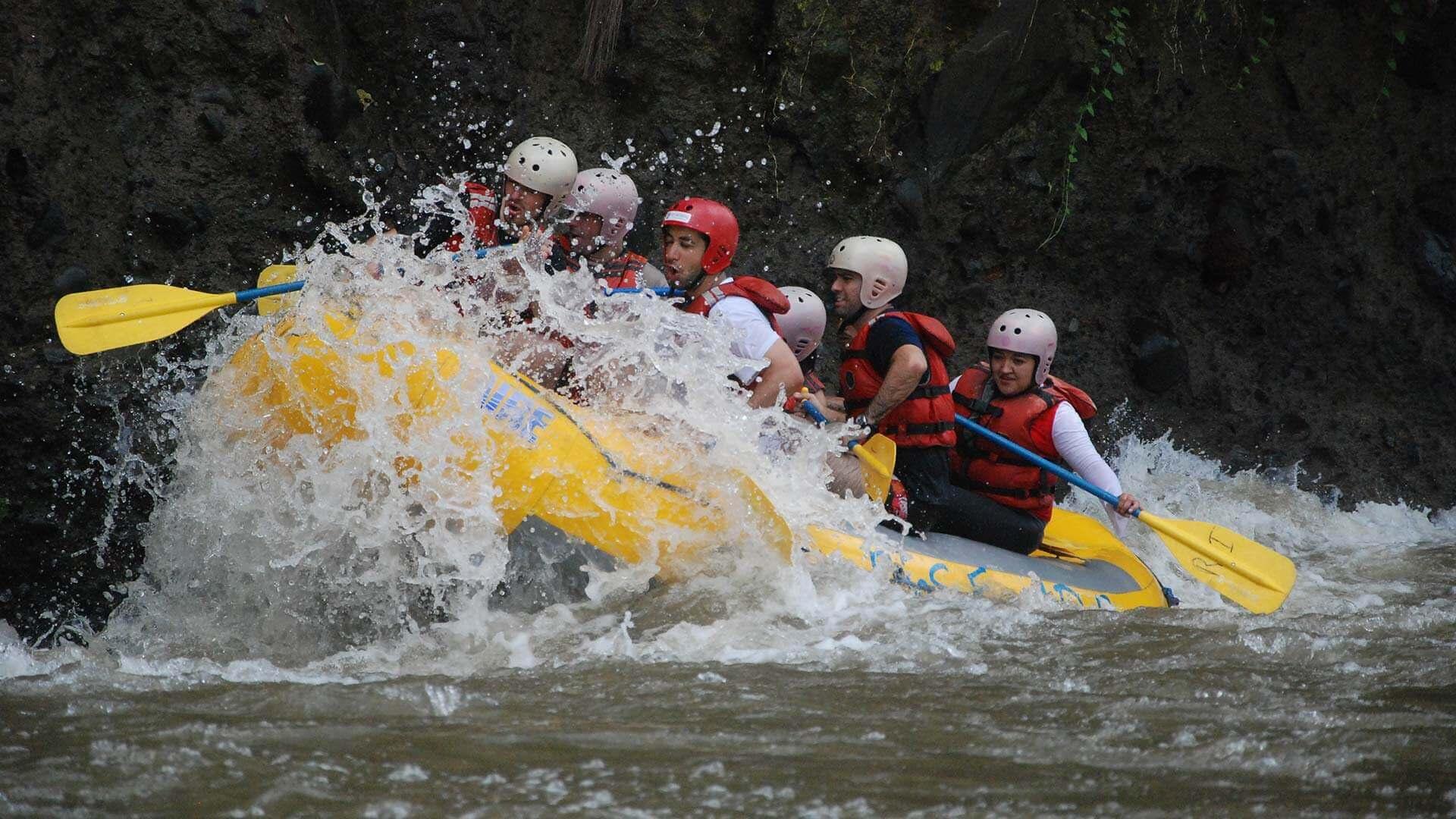 big splash rafting river blanco ecuador