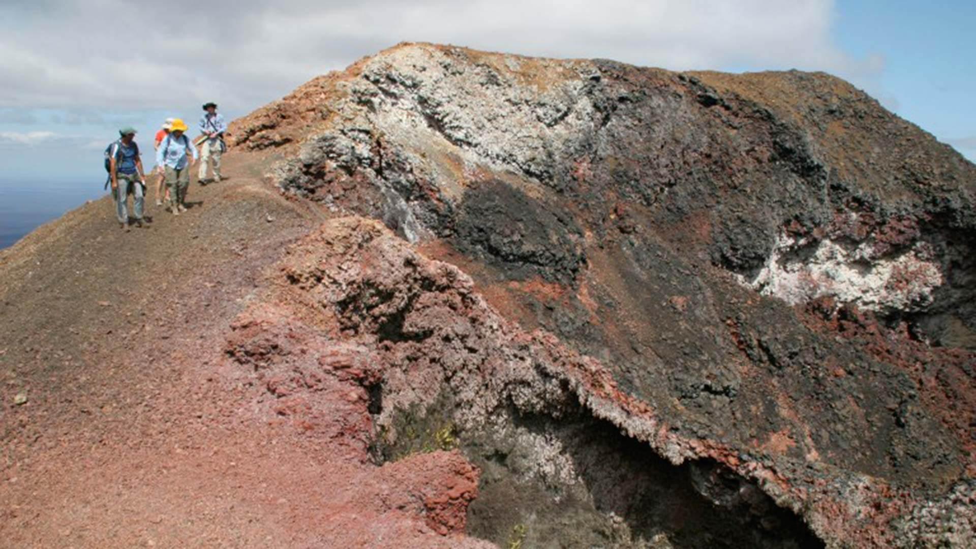 visit to volcan chico sierra negra isabela galapagos
