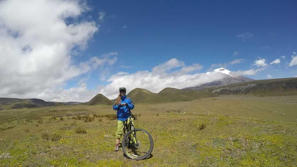 ecuador cotopaxi biking tour