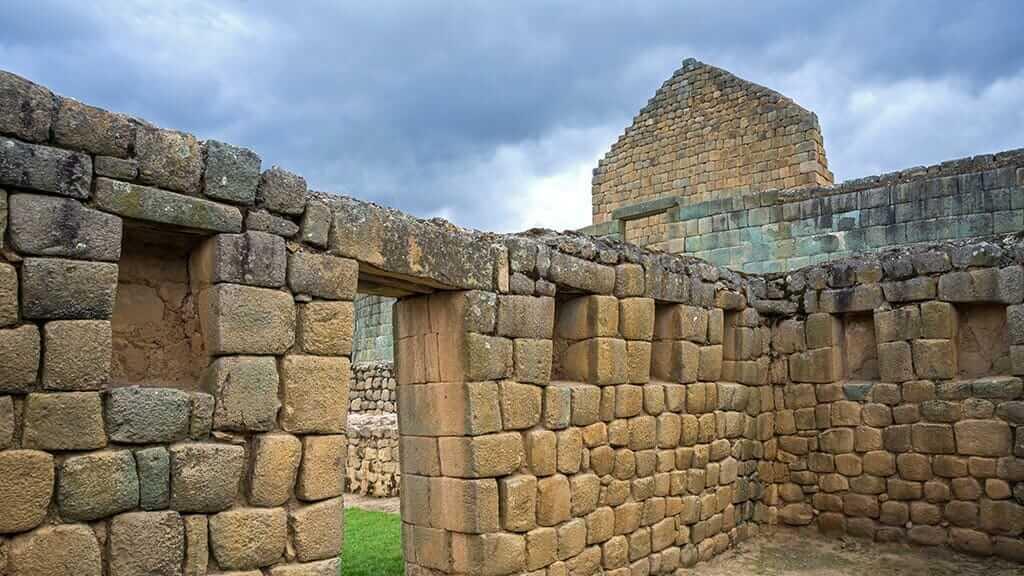 inca walls at ingapirca ruins ecuador