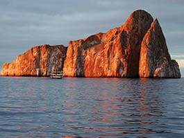 thumb-galapagos-islands-archipelago-kicking-rock-sunset