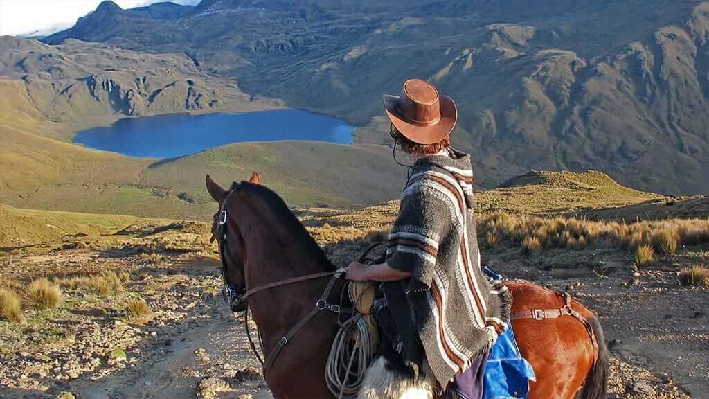 tourist horseback riding tour in ecuador