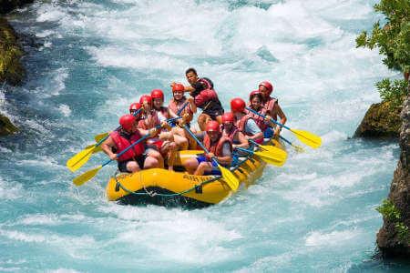 ecuador white water rafting tour downriver run on the quijos
