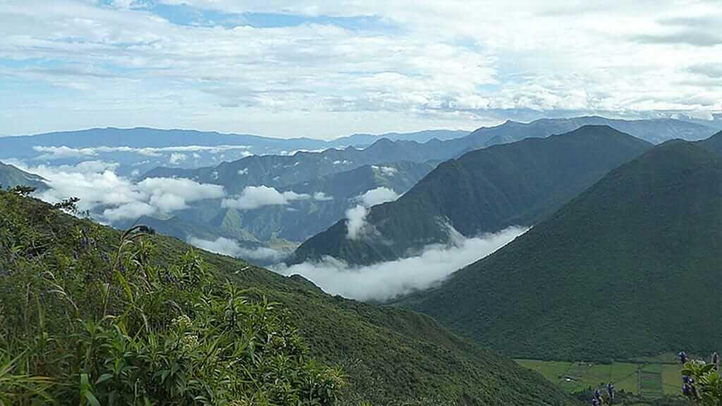 green mountain views on pululahua tour horse riding ecuador