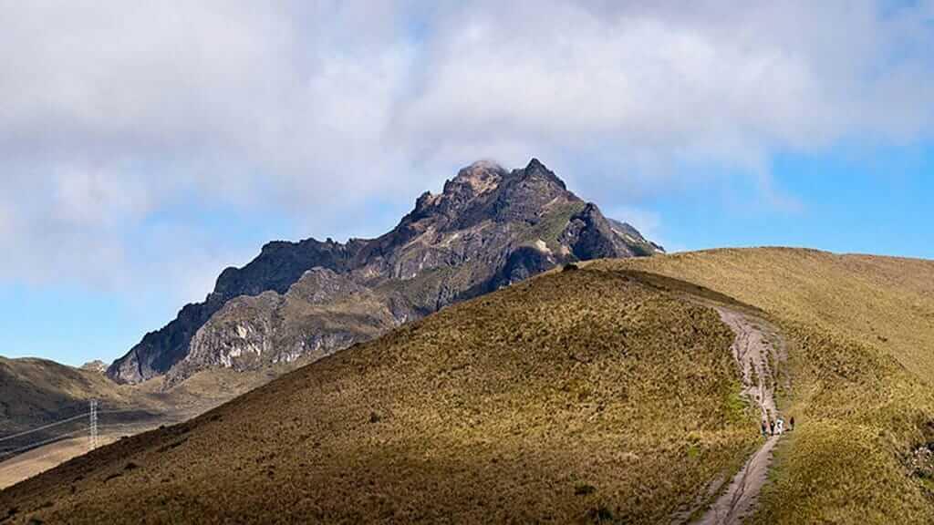 trail to pichincha volcano trek