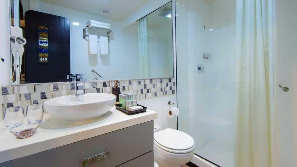 Alya catamaran Galapagos cruise - guest bathroom and shower