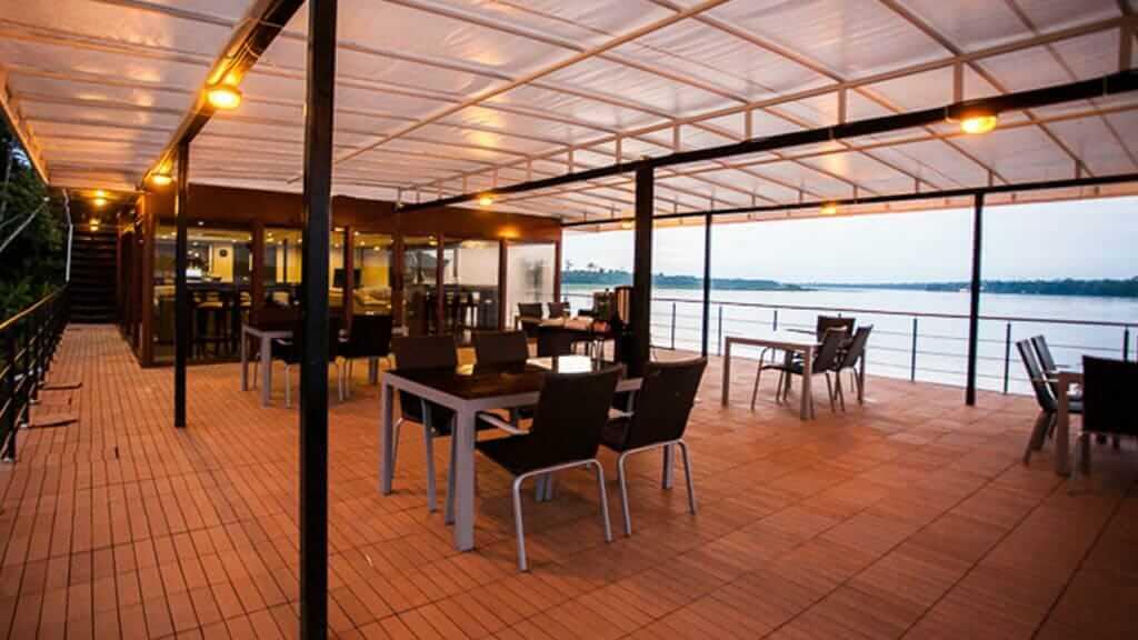 anakonda river cruise ecuador - open air dining restaurant