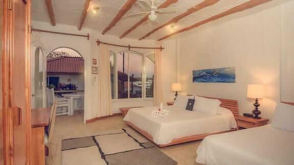 Angermeter waterfront inn hotel puerto ayora galapagos - double bedroom