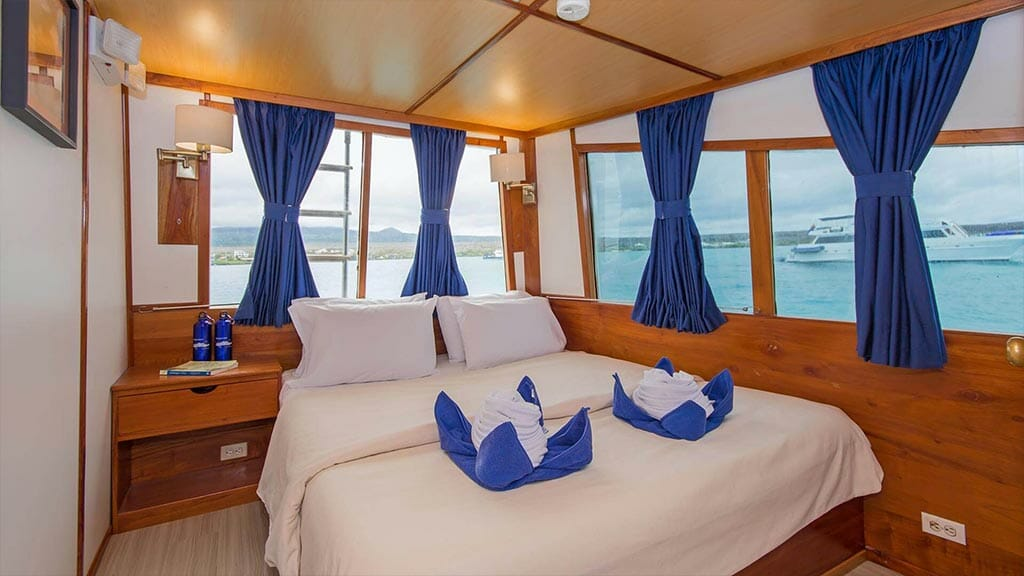 Beluga yacht Galapagos cruise - internal view of double bed guest cabin