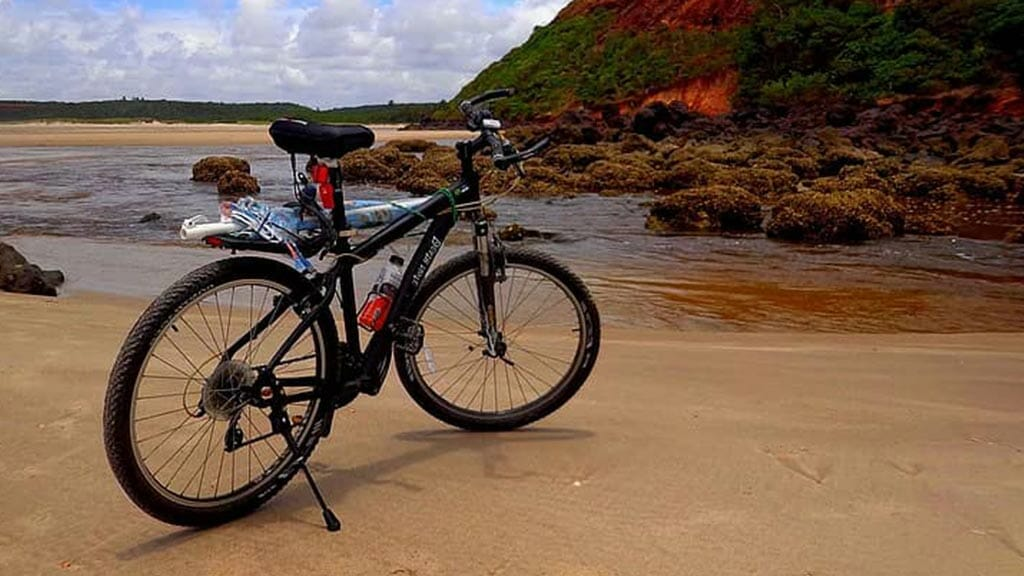 how to get to galapagos: getting around by bike