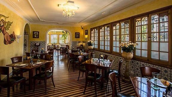 boutique hotel manor restaurant ready for breakfast