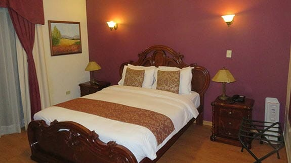 casa aliso hotel quito - double bedroom