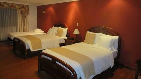 casa aliso hotel quito - twin bedroom