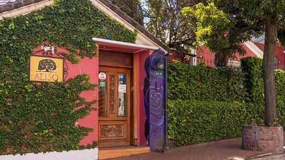 main entrance to hotel casa aliso quito ecuador