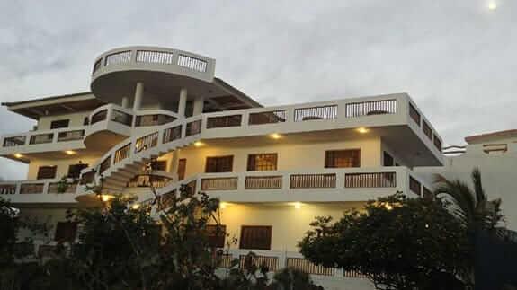 hotel casa iguana mar y sol baquerizo moreno san cristobal island