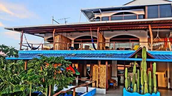 exterior garden of the Playa Mann hotel san cristobal galapagos