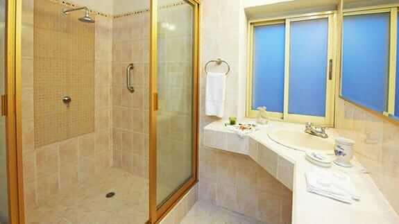 elebathroom and shower city art hotel silberstein quito ecuador