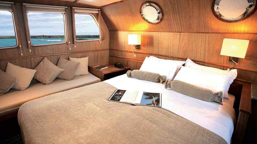 coral 1 and 2 yachts galapagos cruises - Double bed guest cabin