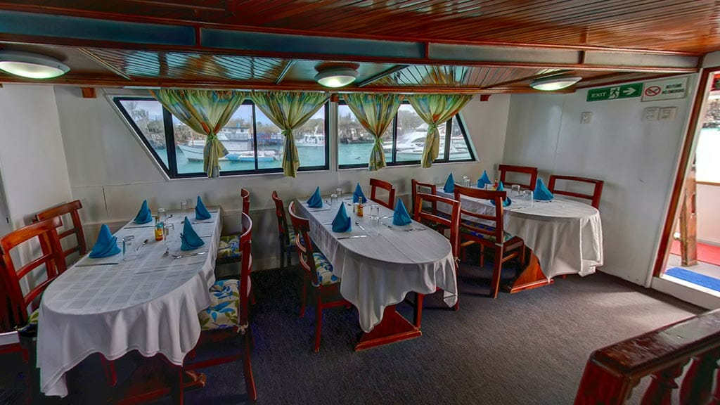 Darwin yacht galapagos cruise - guest dining area