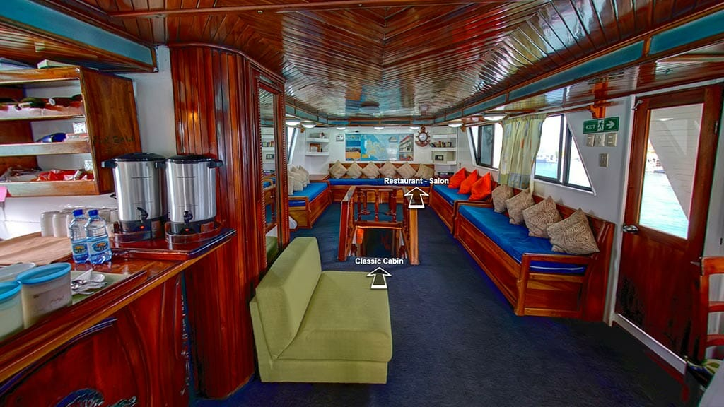 Darwin yacht galapagos cruise - lounge area