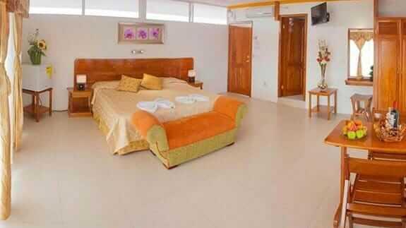hotel deja vu santa cruz island galapagos - large double bedroom