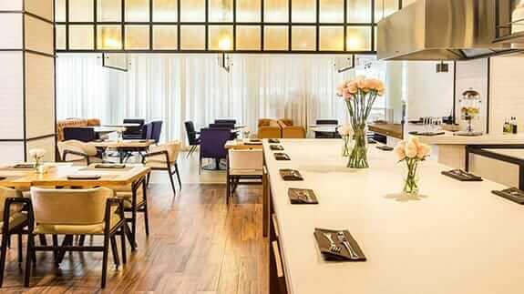 euro building EB hotel quito airport restaurant