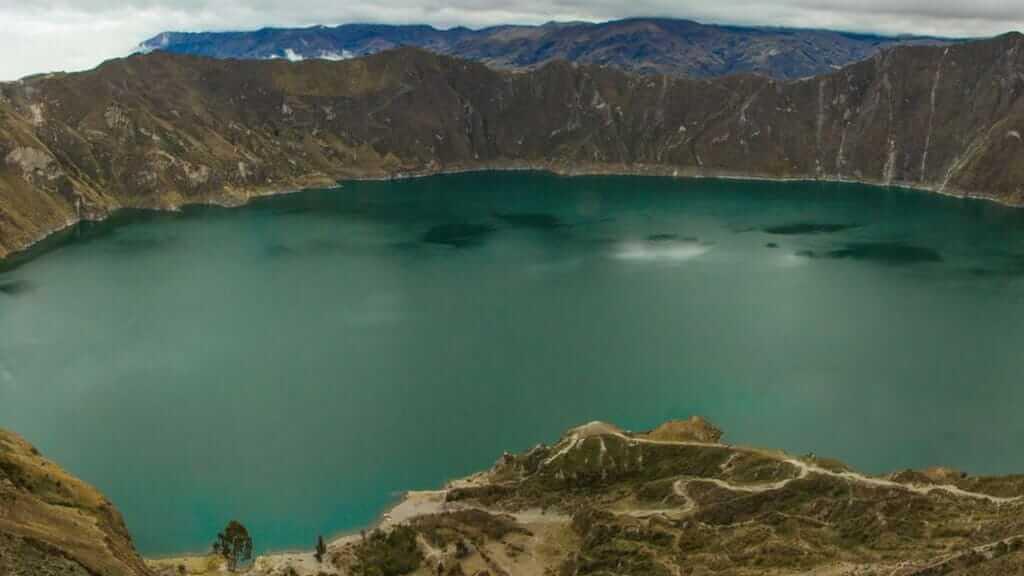 quilotoa crater lake ecuador high sierra