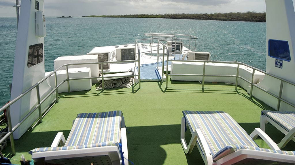 Estrella del mar yacht Galapagos cruise - loungers on sun deck