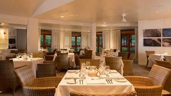 finch bay hotel restaurant galapagos
