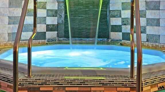 jacuzzi hot tub at galapagos eco friendly hotel
