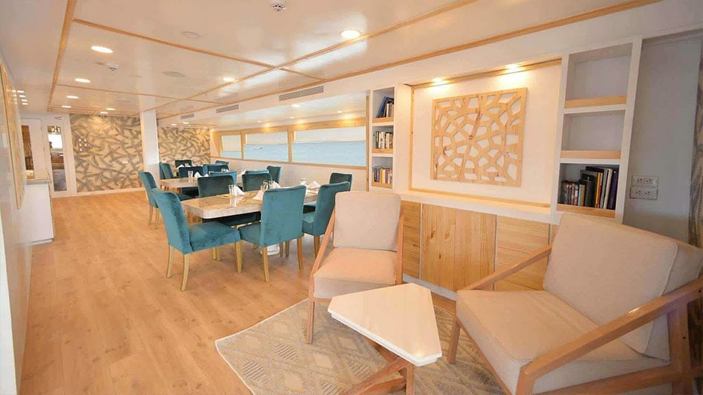 Galapagos Sea Star Journey yacht cruise - dining room