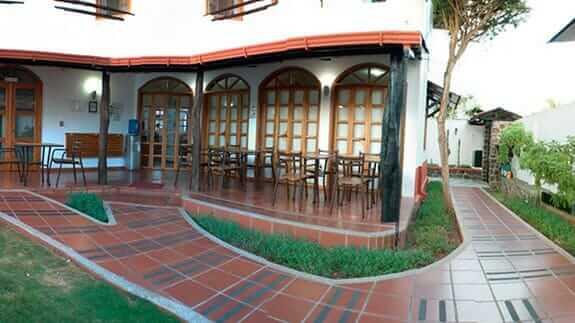 Hotel Galapagos Suites, Puerto Ayora, Santa Cruz, Galapagos – Patio area