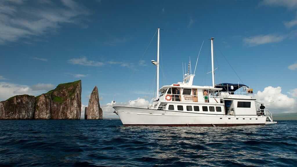 golondrina yacht cruise at Galapagos - the golondrina at kicker rock san cristobal