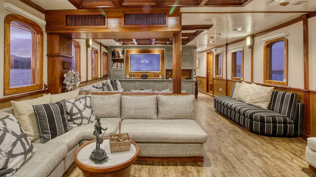 Grace yacht Galapagos cruise - social lounge area