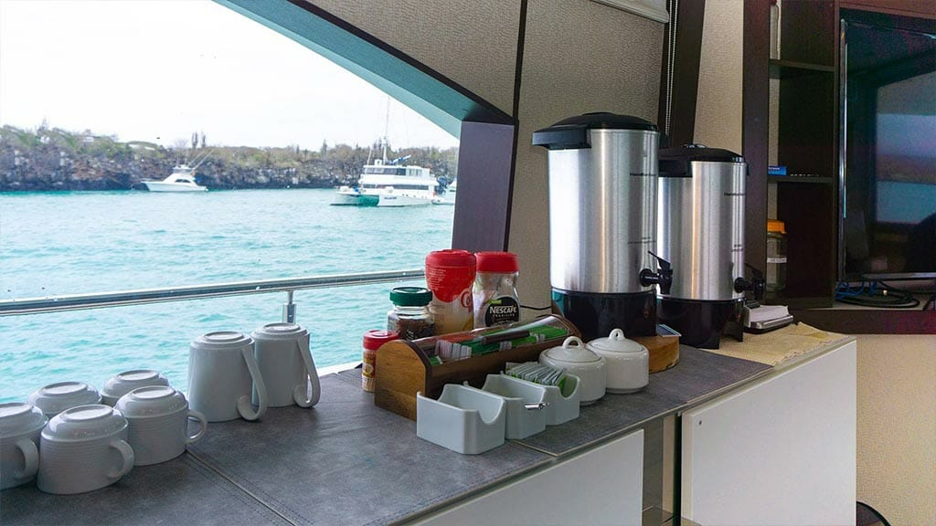 Grand Majestic yacht Galapagos islands - tea and coffee service available all day