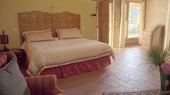 hacienda la jimenita hotel - double bedroom
