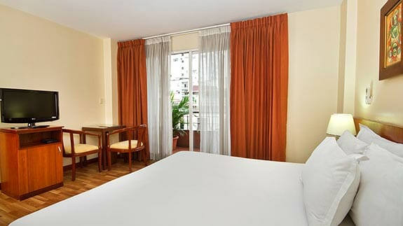 city plaza hotel guayaquil - double bedroom