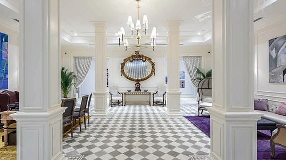 elegant guest lobby of hotel del parque guayaquil