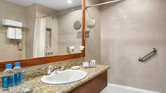 guest bathroom palace hotel guayaquil city