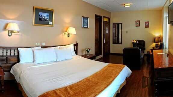 double bedroom at hotel real audiencia quito ecuador