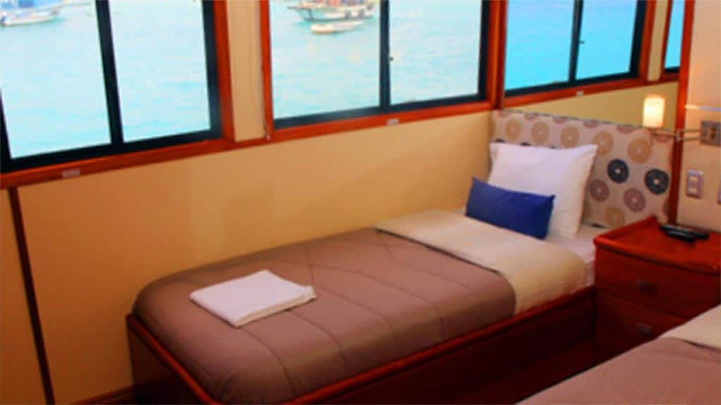twin bed cabin aboard the Humboldt Explorer yacht at Galapagos