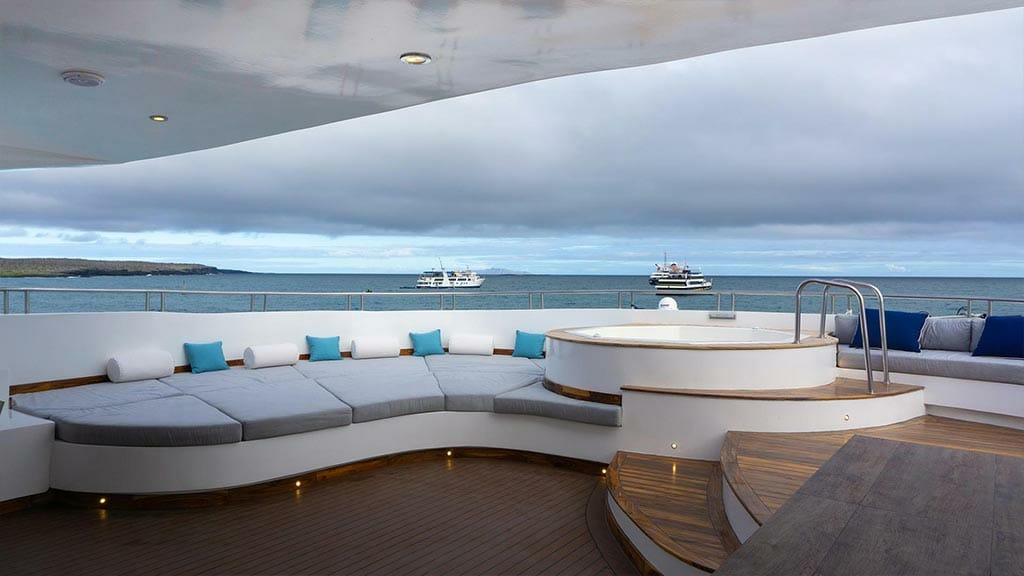 jacuzzi with Galapagos views on the sundeck of the infinity yacht
