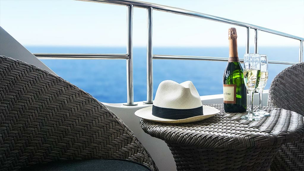 infinity yacht Galapagos cruise - champagne served on deck