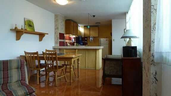 jhomana hostal quito ecuador - kitchen area