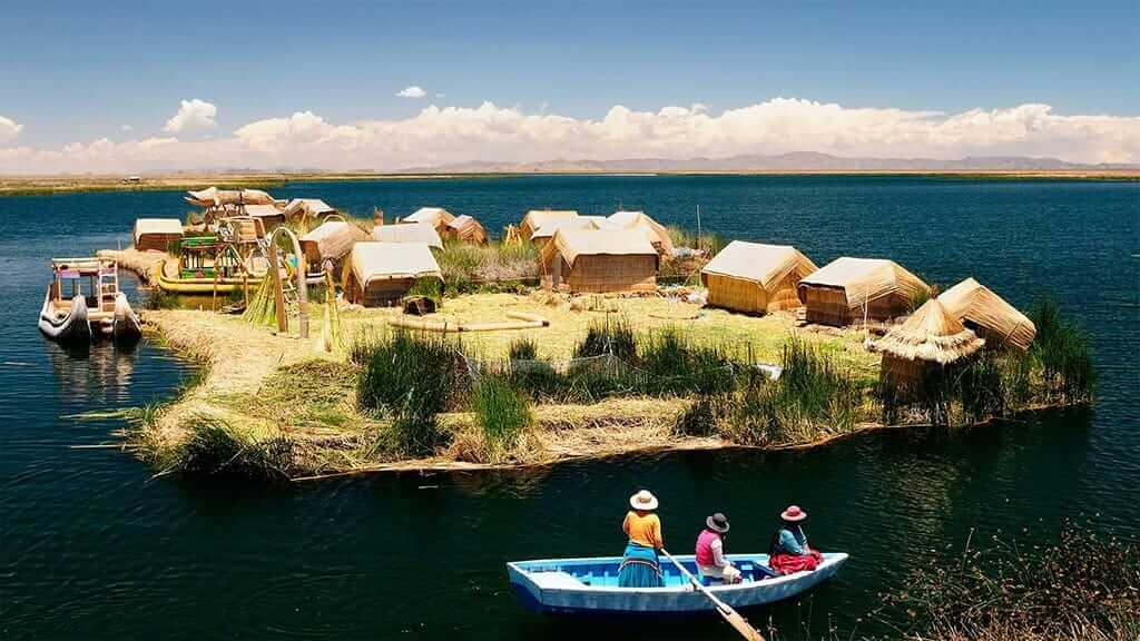 floating island of uros on lake titicaca peru